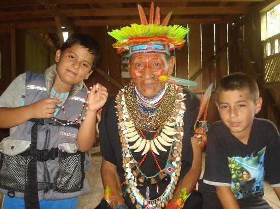 Siona Lodge: SHAMAN IN PUERTO BOLIVAR