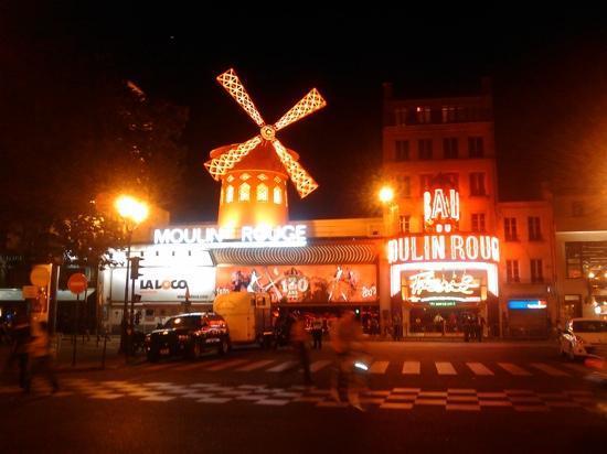 Paris, França: moulin rouge