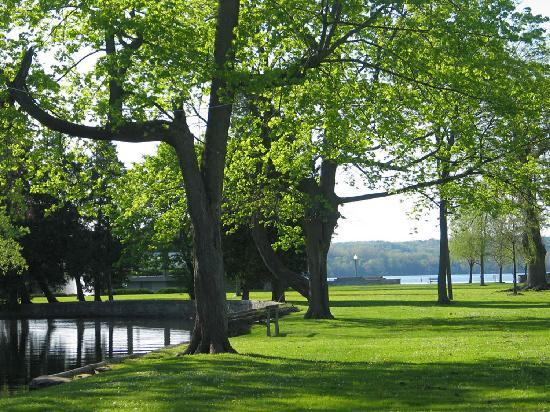 Onondaga Lake Park, just north of the city of Syracuse