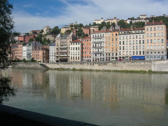 Lyon, Francia: Vista sul fiume