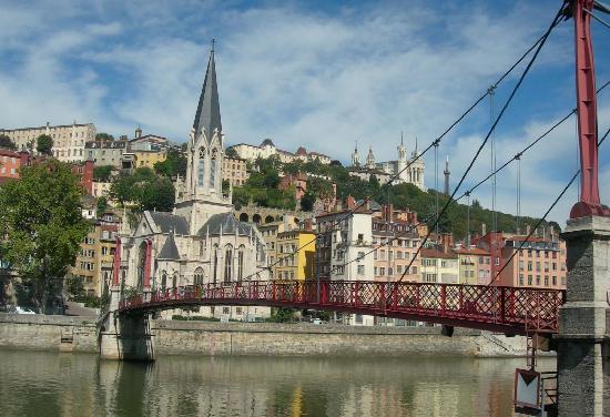 Lyon, France : Panoramica da un ponte