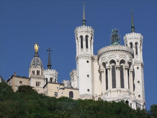 Lyon, Francia: Chiesa presa dal basso