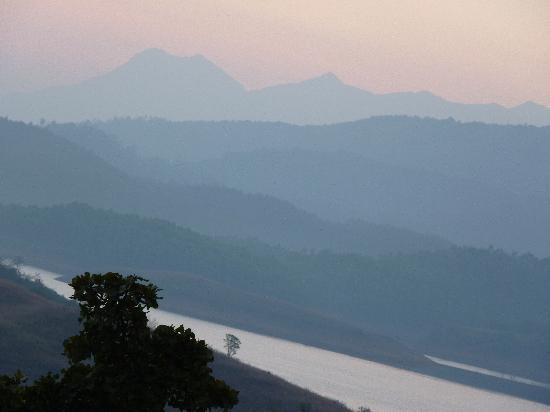 Banasura Island Retreat : Before the sun rise from the balcony