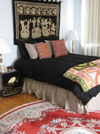 Bellport Inn Bed and Breakfast: Asia Room