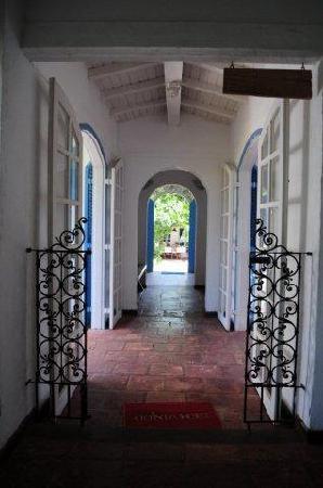 Pousada Casa Buzios: room corridor