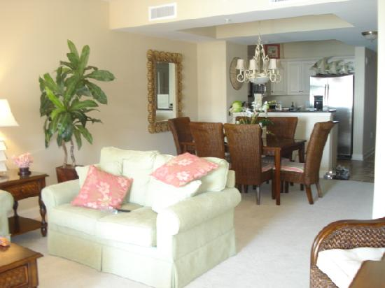 Livingroom, Dining table and Kitchen - Picture of North Beach ...
