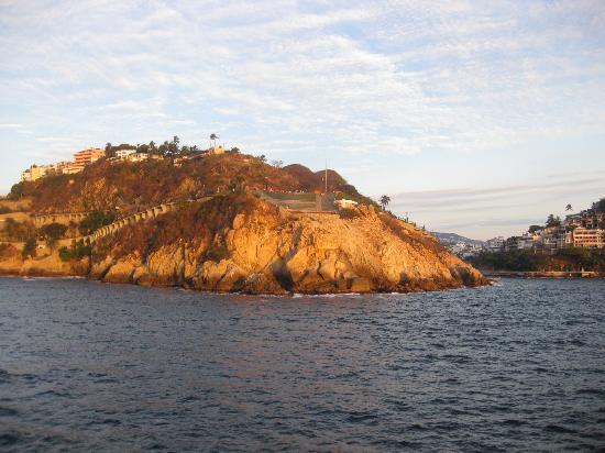La Quebrada: view of sinfonia del mar from the sea