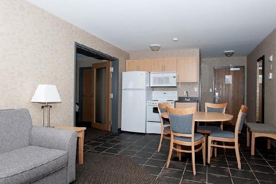 Paradise Inn & Suites Image