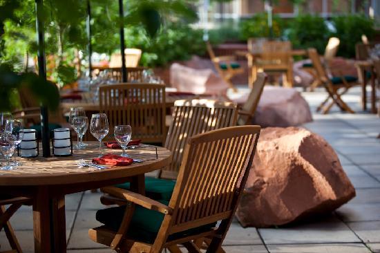 Warwick Denver Hotel: Outdoor Patio at Randolph's