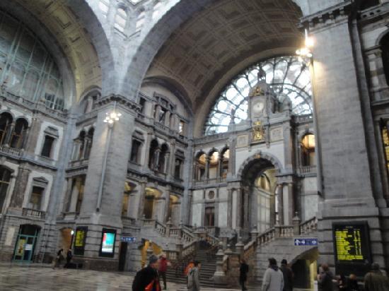 Gare centrale : Die Haupttreppe