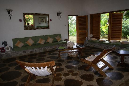 Cote Sud: salotto villa aranci