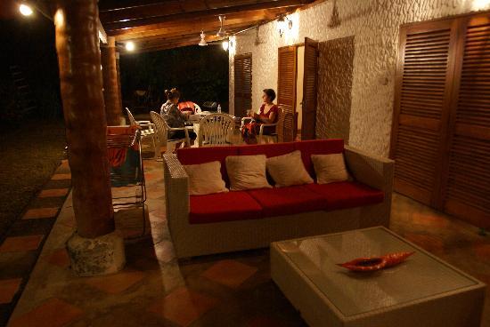 Cote Sud: la veranda di villa aranci
