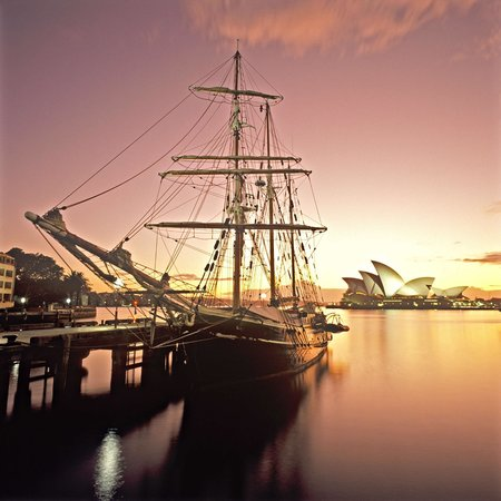 Sydney Harbour Tall Ships : Twilight