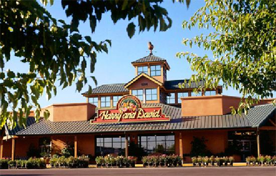 Medford, OR: Harry & David Country Store
