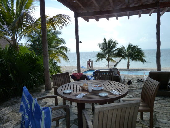 Zama Yacht & Beach and Lounge: Lunch overlooking pools and Caribbean