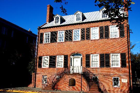 Architectural Tours of Savannah: Five, four & a door