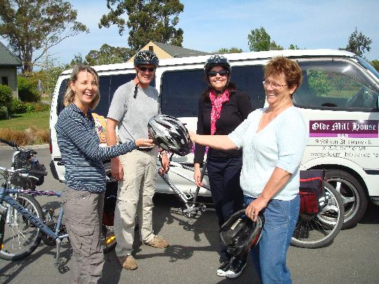 Bike 2 Wine : Delivering Bikes to Vitners Retreat.