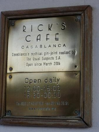 Rick's Cafe: Plaque at the door