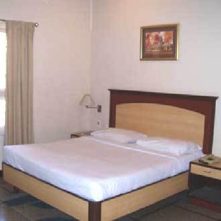 Kences Inn : Hotel room