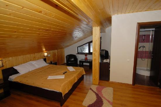 Hotel Noblesse : TRIPLE ROOM