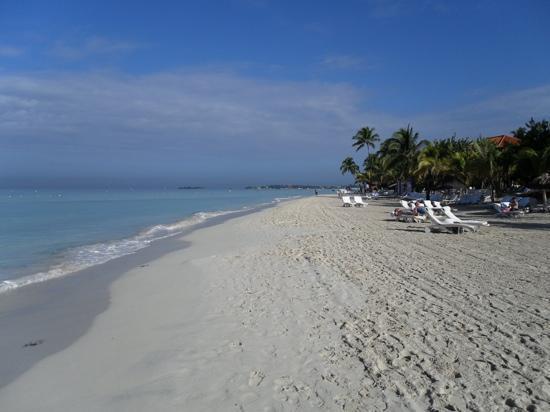 Couples Swept Away: beautiful long sandy beach