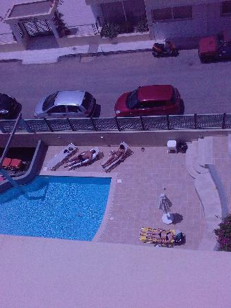 Alia Beach Hotel: swimming pool