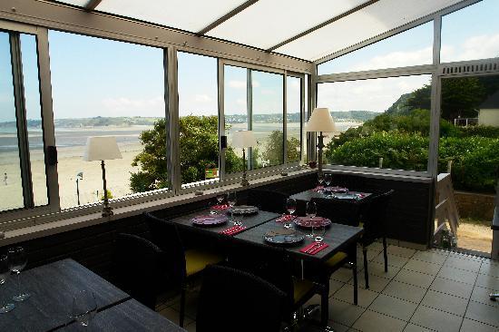 La Maison de St Efflamm: La salle a manger avec vue sur mer