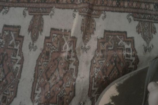 Due Borghi: tappeto del letto