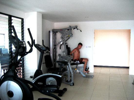 RaTaNa Apart Hotel: Gym