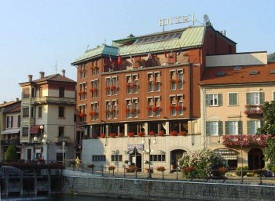 Hotel Ristorante Croce Bianca: Exterior