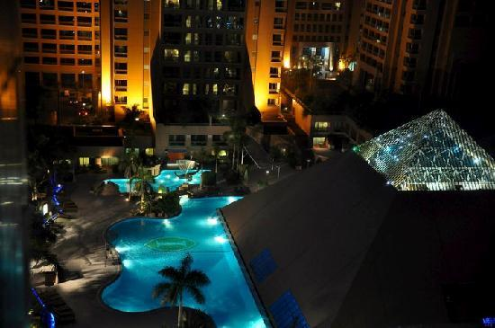 InterContinental Cairo Citystars: Night view from room