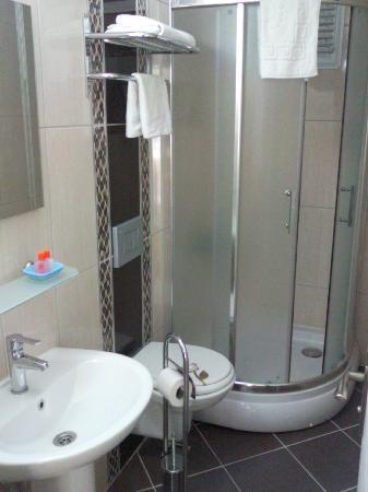 Efsane Hotel: Bathroom