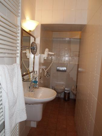 Bohemia Plaza Residence: salle de bain