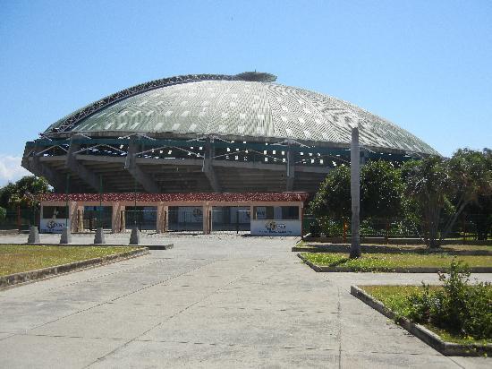 Provincia Hostal Valledupar: Cockfighting stadium (its huge)