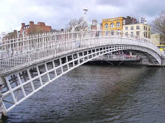 Dublin, Irland: Ha' Penny Bridge