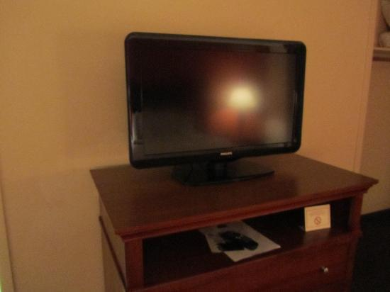 AmericInn Hotel & Suites Indianapolis : 2nd tv