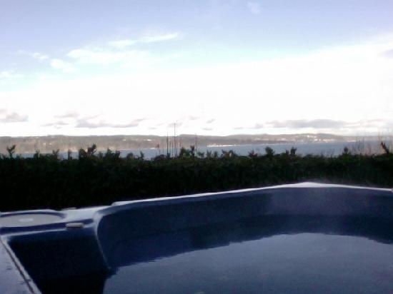 Hogland House: View of Sound from Hot Tub