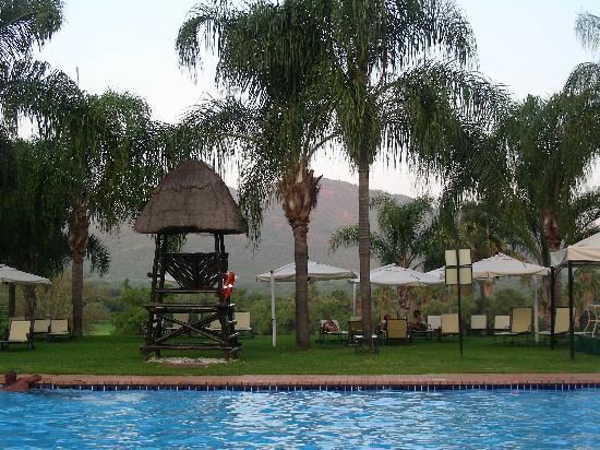 Cabanas: piscina Sun City Hotel