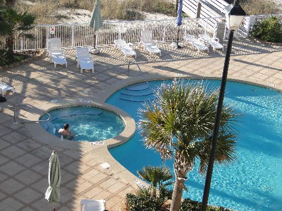 Holiday Inn Express Orange Beach: Pool view from our room