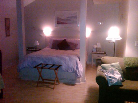 Shaker Mill Inn: Tanglewood Room