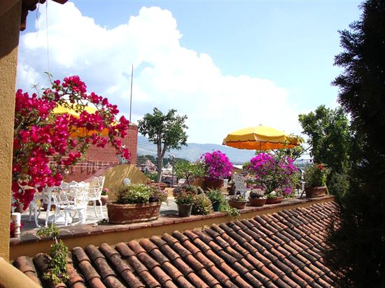 Hotel Azucenas: Amazing views, super for relaxing with friends...the rooftop terrace garden