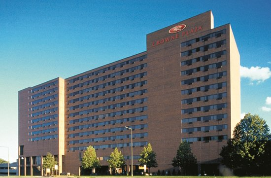 Crowne Plaza MSP Airport - Mall of America: Crowne Plaza Hotel & Suites