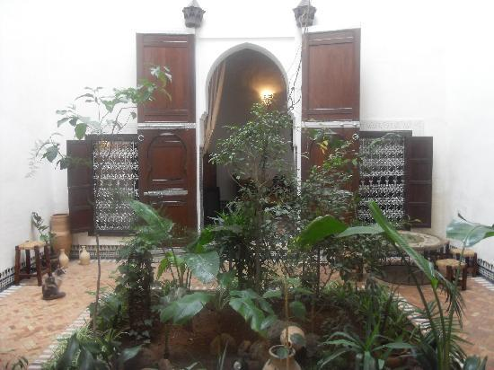 Riad Felloussia: The courtyard, and suite Toubkal