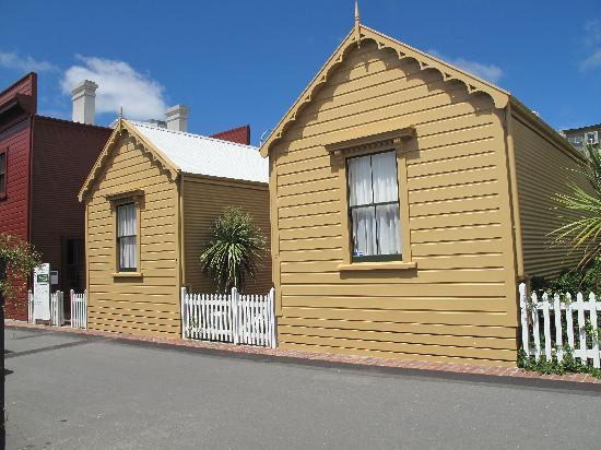 Wellington City Cottages: 5 and 7 Tonks Grove