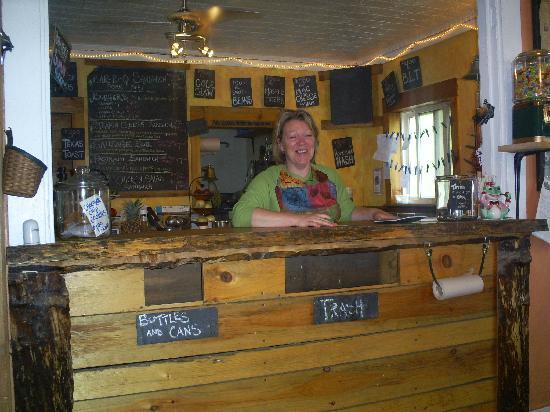 Spring Creek Bar-B-Q : A new friend serving good Bar B Q