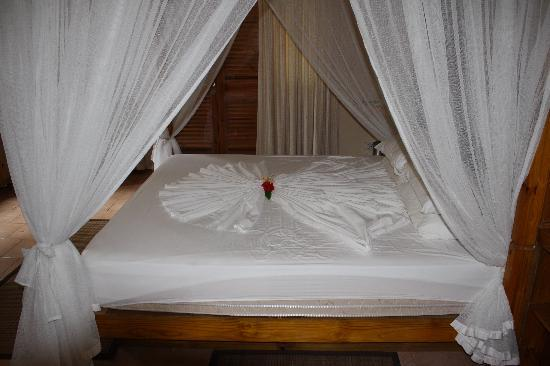 Indian Ocean Lodge: The bed on arrival