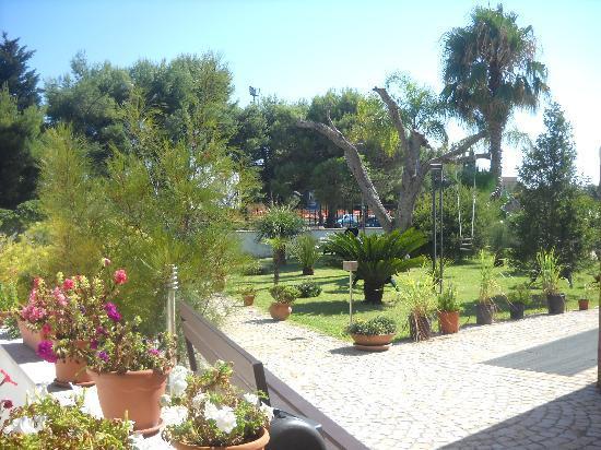 Melendugno, Ιταλία: giardino B & B