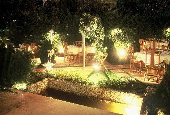 Far East : Garden