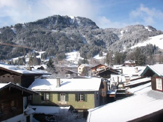 Jägerwirt Hotel: View from our room of the slopes