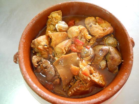 Restaurante La Carrasca: Conejo con caracoles y robellones